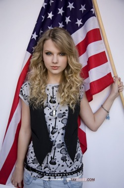 fearlesspeaknow:  Happy 4th of July everyone! (it's a little early but whatever)