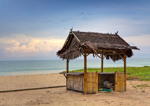Bamboo Beach Shack by Jim Boud on Flickr.