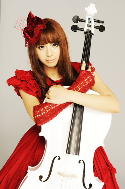 Kanon's music is inspiring—and her image is stunning.
