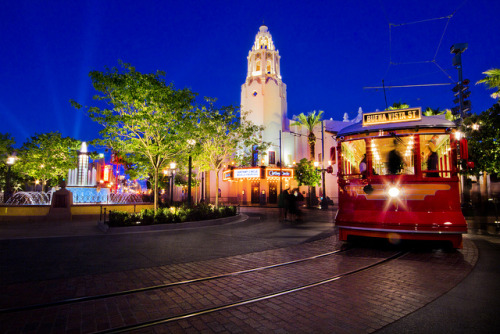 All Aboard at Carthay Circle Station by andy castro on Flickr.I love Buena Vista St.
