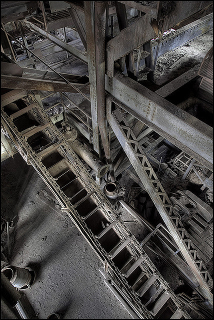 valscrapbook:  Coal Breaker by hoodwatch on Flickr.