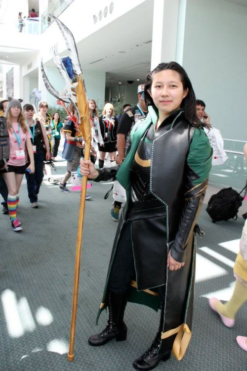 this was day 2 of anime expo 2012 didn't have my helmet and anime expo was the first time i've worn this so there were problems x-x (cough cough the ribbon)
