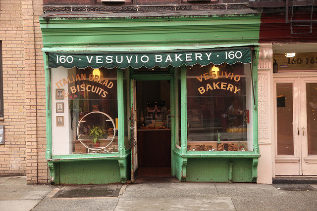 (via Vesuvio Bakery (After), Birdbath Neighborhood Green Bakery (2011) | Flickr - Photo Sharing!)
