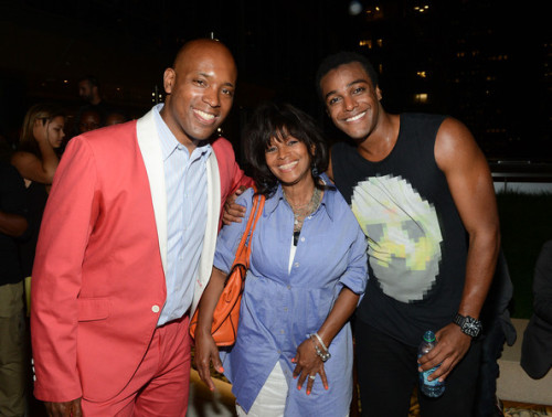 @AustinBrown, his mom Rebbie Jackson & Kelly Griffin at the #betmusicmatters showcase (thanks to @lilie1986).