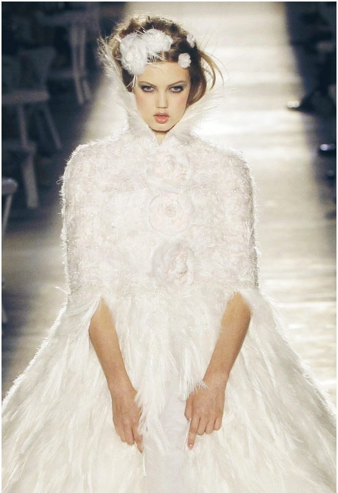 wink-smile-pout:  Lindsey Wixson at Chanel Haute Couture Fall 2012