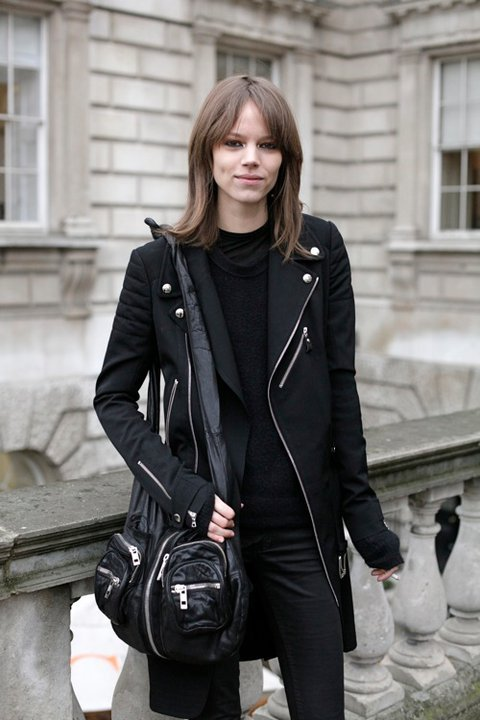 mcque-en:  missjennaleencherie:  Freja Beha Erichsen  Queued, on DofE