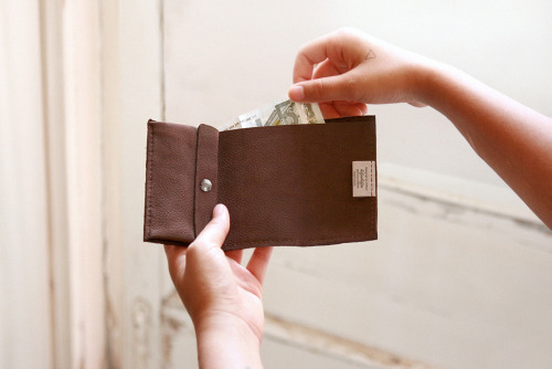 hifenhifen studio, genuine leather handmade wallet (2012)