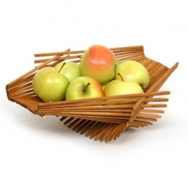 joshuaowen:  Folding fruit basket made from recycled chopsticks by Kellygreen