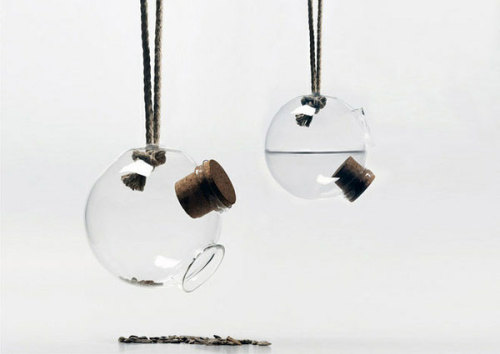 (via Bird Feeder by Árpád Orosz » Design You Trust – Design Blog and Community)