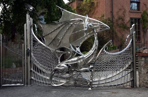 The Dragon Gate of Harlech House, Dublin. Wow.