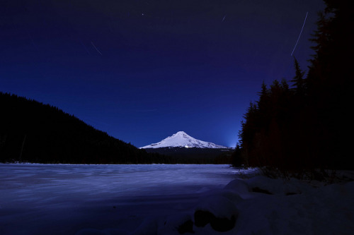 1 Hour of Mt. Hood by Jeff Barnhart on Flickr.