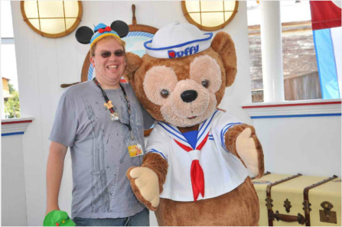 Meeting Duffy at Duffy's Landing is something I have to do every time I go to Disneyland. faceleg:  Met Duffy the Disney bear. Forgot to mention I was the other Disney bear, lol.