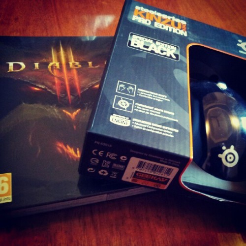 hyunickel:  Look what I just picked up :O! #Diablo3 #SteelSeries