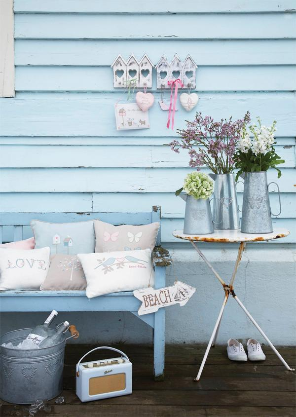 (via It's Summertime! Create your own alfresco living room | House and Home)