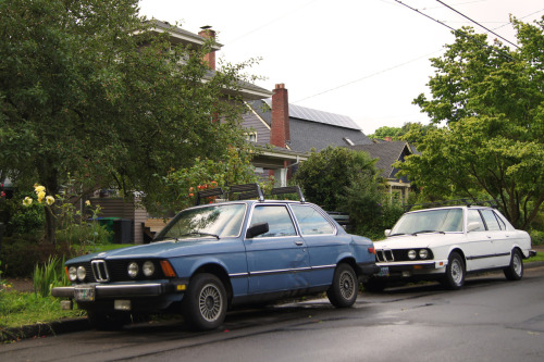 Family values.  BMW E21 (320 1975-83) and an E28 (525i 1982-88). Seen in NE Portland