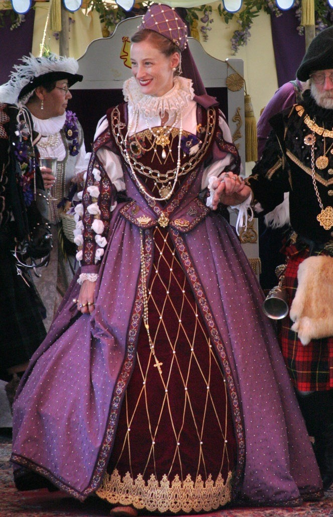 purple and maroon renaissance dress  http://upload.wikimedia.org/wikipedia/commons/d/d0/Queen-Elisabeth-1.jpg
