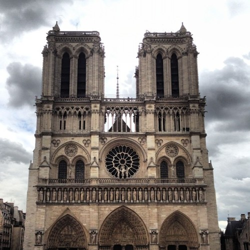 #notredame !!!!! #paris  (Taken with Instagram)