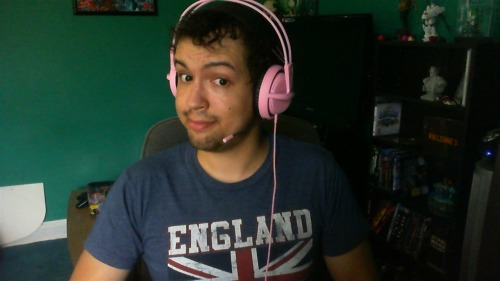 the-ionvein:  Rocking out in my new SteelSeries Siberia v2 Pink Edition www.steelseries.com/pink