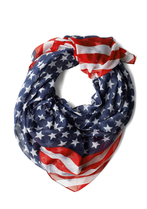 some-layers-of-sam:  modcloth:  Shop the Rock Star-Spangled Scarf»  Wish I had this, love to festive dress!