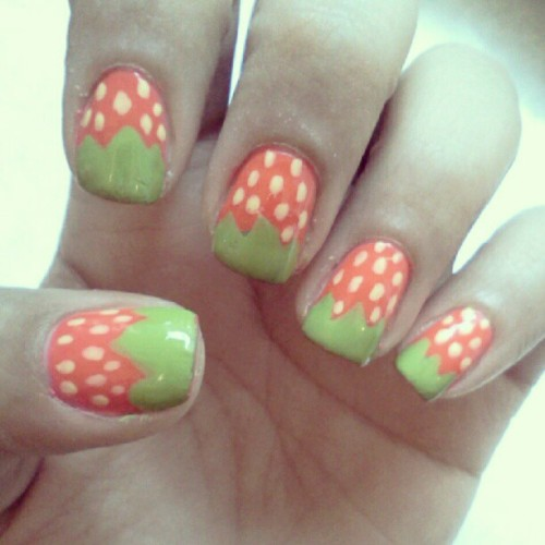 Strawberry field. #manicure #nailart #nailartaddict #nails #sinfulcolors #design #fashion #beauty #strawberries #fruit #red #trend #summer #instanails #instagood #manimonday #instalate (Taken with Instagram)