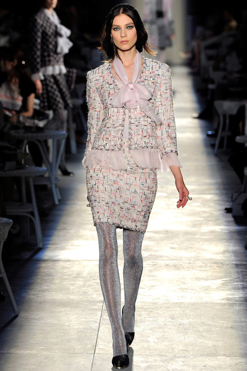 yourmothershouldknow:  Chanel Alta Costura Otoño 2012 ….. Chanel Haute Couture Fall 2012