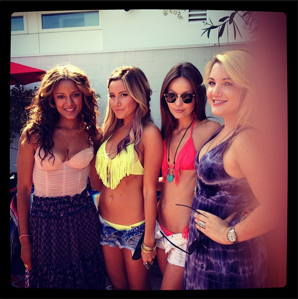 I love Ashley Tisdale's bathing suit top. (You can purchase it here) I still can't believe she is 27 years old.