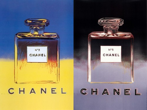 The Perfume became so iconic to inspire may artits such as  Andy Warhol who dedicated one of his famous pieces of pop art to it.