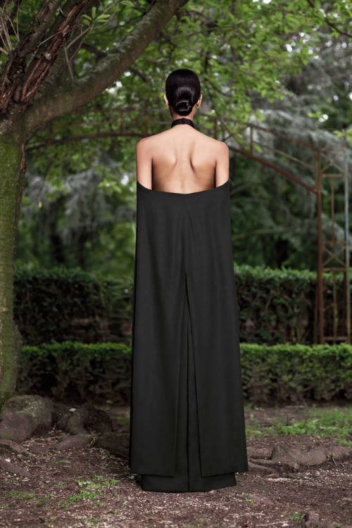 bohemea:  Grace Mahary - Givenchy Couture Fall/Winter 2012-13, July 3rd 2012 Stunning!