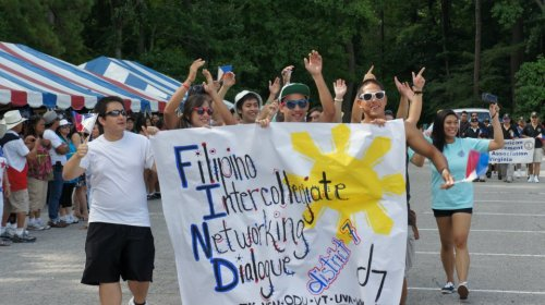FIND DVII on parade! Photog J. Legara at Filipino-American Friendship Day at Red Wing Park