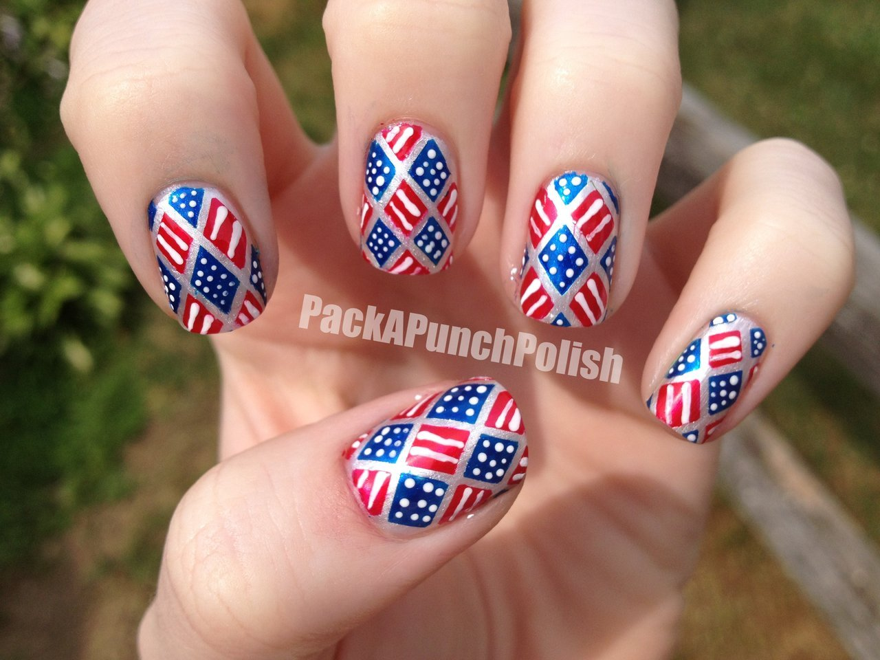 4th of July nails! read more here… tutorial here…