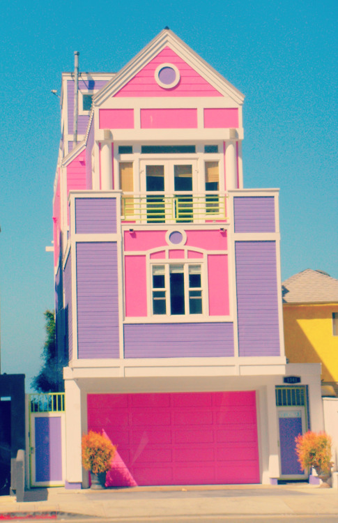raysofthesun:  House of Ruth Handler creator of Barbie in Santa Monica, L.A. California.