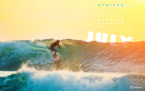 Love the colours in this free July calendar from iStockphoto! So beautiful I think I'm going to cry. (Download and more here; Photo: Arand)