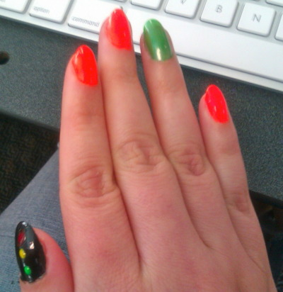 kittyboomboom4u:  Yes yes Femme flagging. Orange - anything goes. Light green - talk dirty to me Black SM stop lights for Consent!