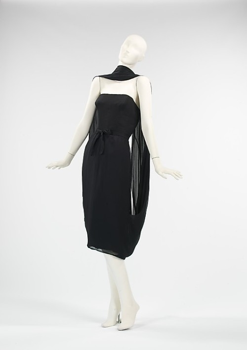 omgthatdress:  Dress Hubert de Givenchy, 1955 The Metropolitan Museum of Art