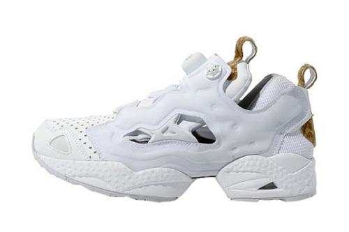 "ATMOS X REEBOK IUNSTA PUMP FURY ""WHITE LEOPARD""  Reebok has teamed up with atmos once more for its newest iteration of the Insta Pump Fury in this special edition ""White Leopard"" makeup of the sneaker. On a white leather upper, spotted pelage leopard print meets the tongue and heel. Perforated leathers and mesh fill the upper, with a price of $211 available now for preorder at ZOZOTOWN. You can expect the shoes in your mailbox in September, all the way from Japan."