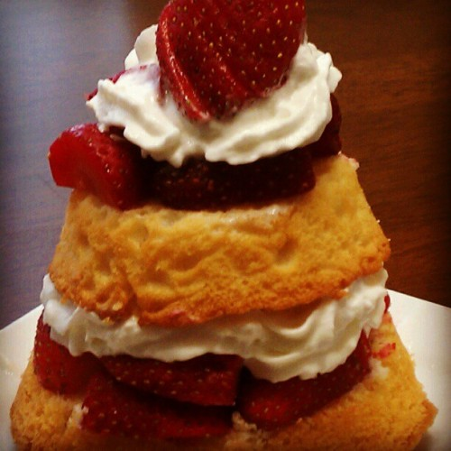 Double Layered Strawberry Shortcake! #strawberries #deserts #food #baking #foodporn #foodgasm #cake #nomnom #instachef #picoftheday #foodstagram #sharefood #foodpics #yum #foodphotography    (Taken with Instagram at Home)