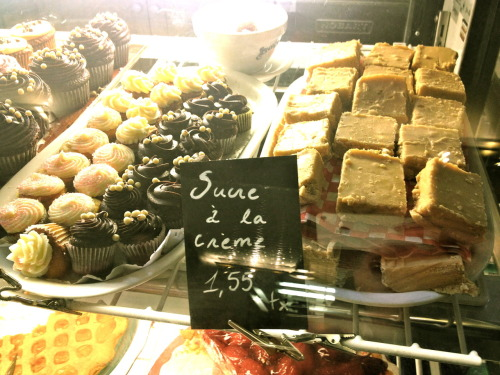 Sucre à la crème and other delights at 'Le Cochon Dingue' - Québec City.