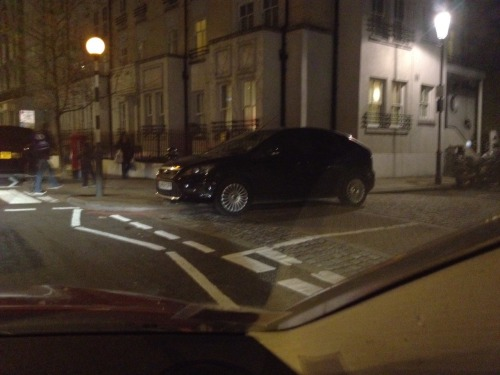 """This might look like the driver is waiting to leave the junction but no, he's parked there. In Chelsea. During a Chelsea game. Draw your own conclusions."" Where the fuck are the traffic wardens?? Fulham High Street is normally crawling with them…"