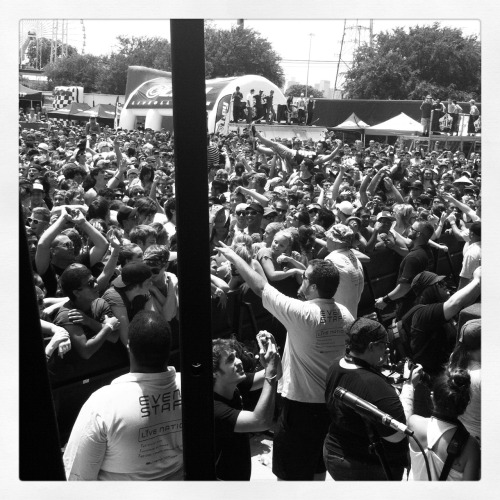 New found glory crowd. Dallas warped tour.