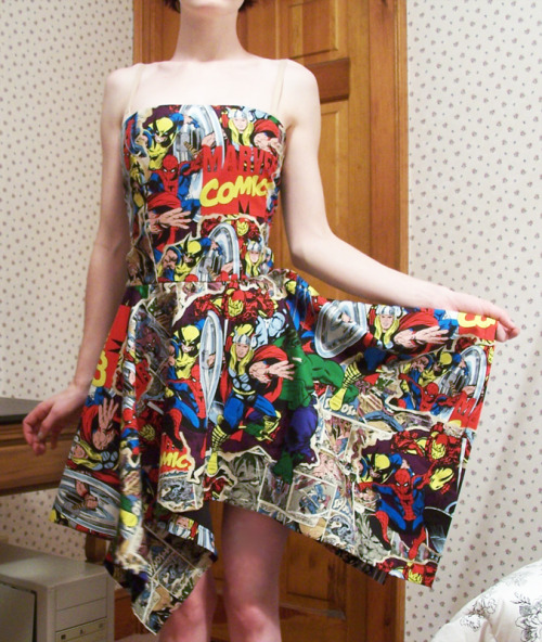 parasiteparadise:  My Avenger's dress that I made yesterday. Now I can wear Captain America on my butt for the 4th.  Wow, this is amazing!