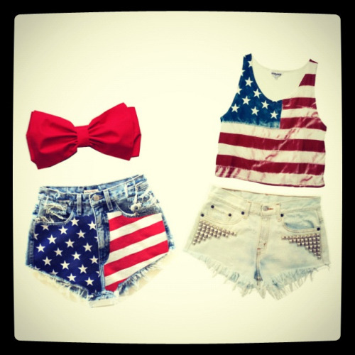 New 4th of July inspired outfit guide on my blog! www.tiaalesewong.com