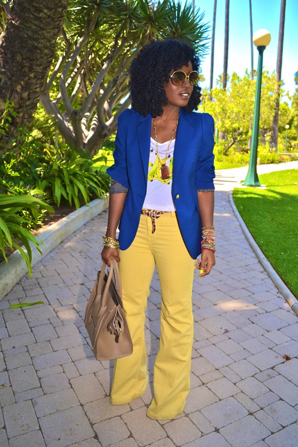 Boyfriend Blazer + Banana Tank top …… nice look !!