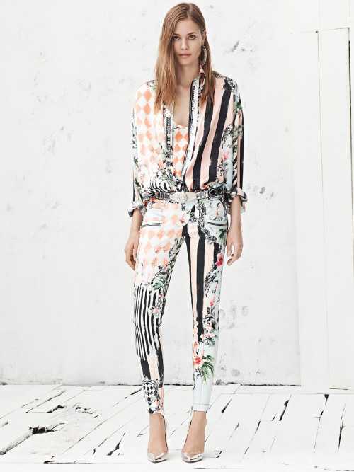 yourmothershouldknow:  Balmain Resort 2013 Rayas, flores y rombos en una colección con toque masculino. ….. Balmain Resort 2013 Stripes, flowers and diamonds in a collection with a masculine touch.