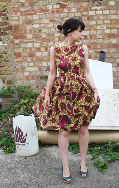 afrochicgist:  1950's style dress. Source: Burda StyleGet daily inspiration here!