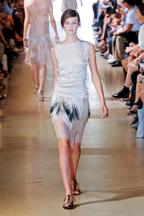 ~Flying Bird~ Fabric Feathers Sharon Wauchob Spring Summer 2012 Fashion.