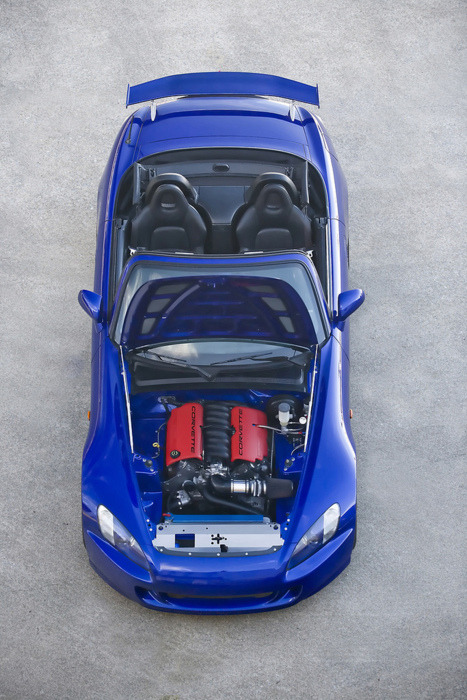 peacedotexe:  jzx100:  LS1 S2000  this looks surprisingly at home..