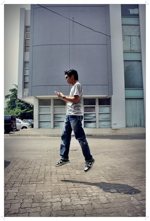 """where are u""  By: @septianakp Model: @mahatmajaya Regional:  Kamera: Canon D550 Shutter Speed: Lokasi:Ruko Kebon Jeruk"