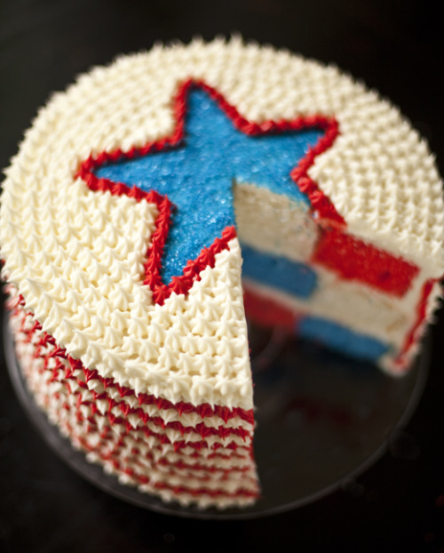 prettylittlepieces:  Red, White & Blue Checkerboard Cake
