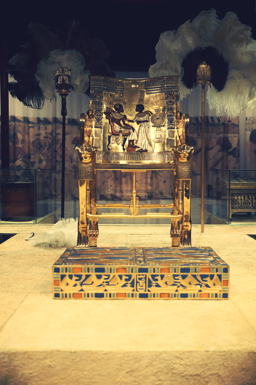 Day 185: Golden Throne - Tutankhamun, his Tomb and his Treasures Exhibit.
