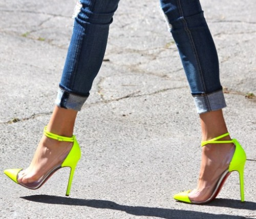 newyorkgirltt:  Those are unforgettable heels….